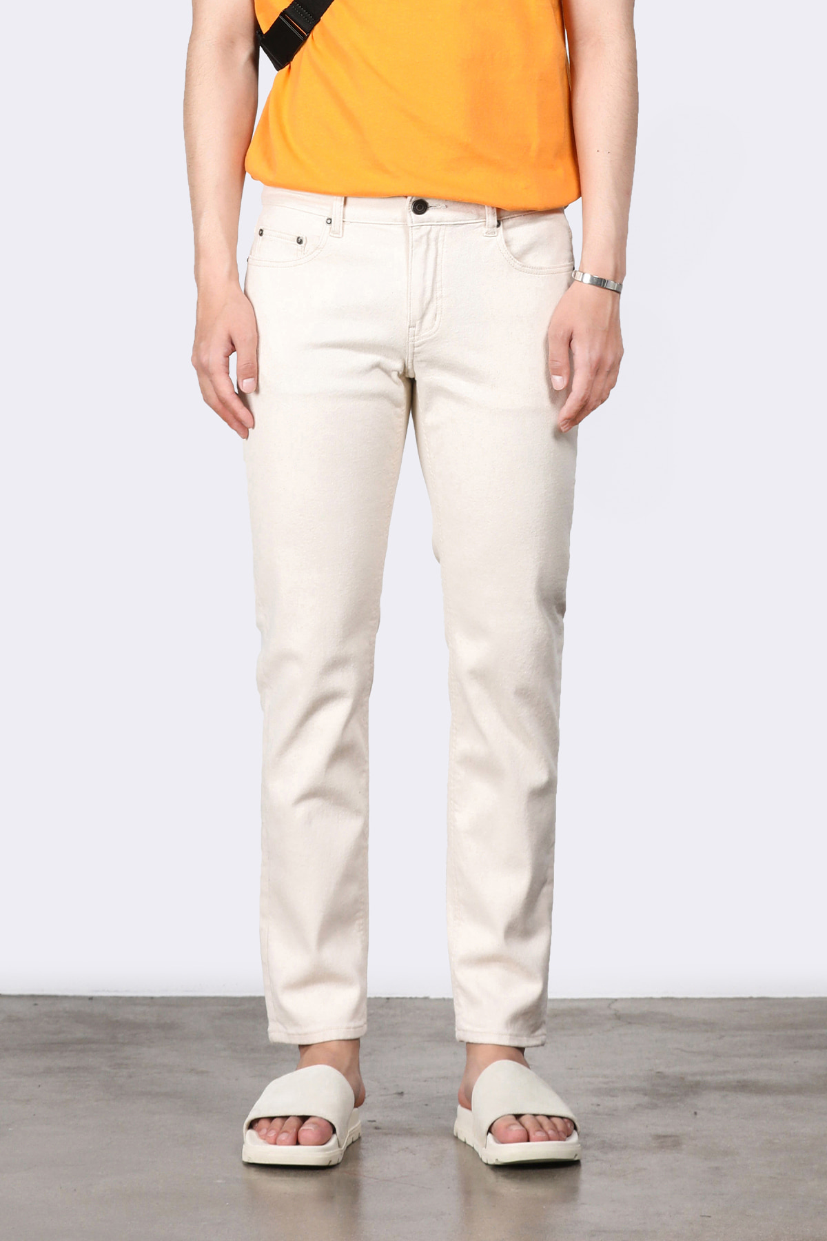 #0208 off-white slim crop jeans