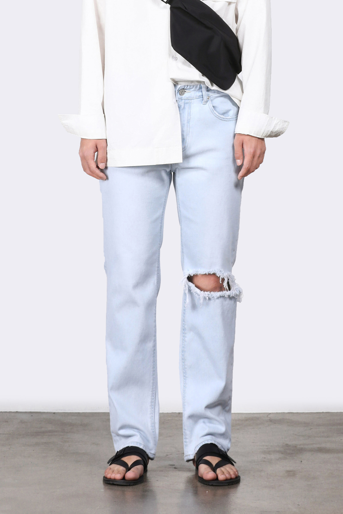 #0206 refined ice destroyed straight jeans