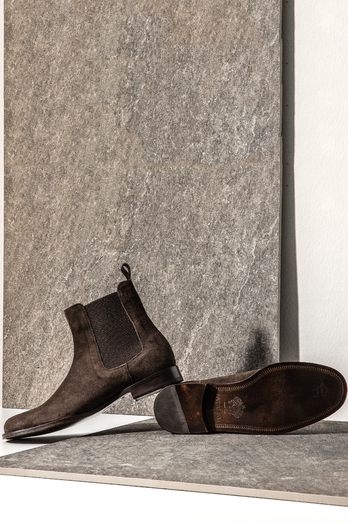 FE26JAN19-3 suade chelsea boots - brown