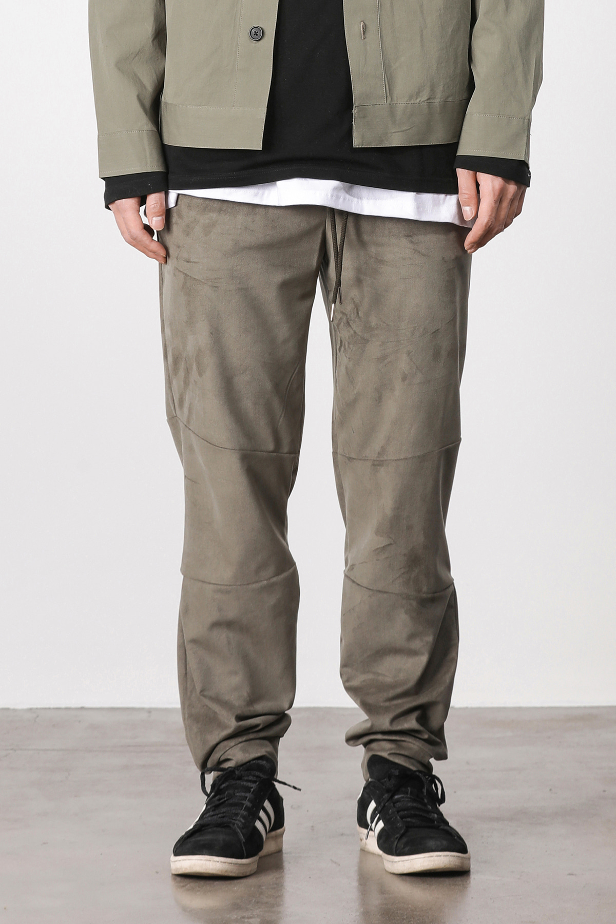 Suede loose fit jogger pants (khaki) #jp04
